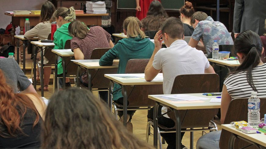 Les futurs élèves de premières vont devoir choisir trois spécialités pour le Baccalauréat 2021