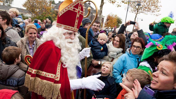 Saint-Nicolas à la rencontre des enfants.