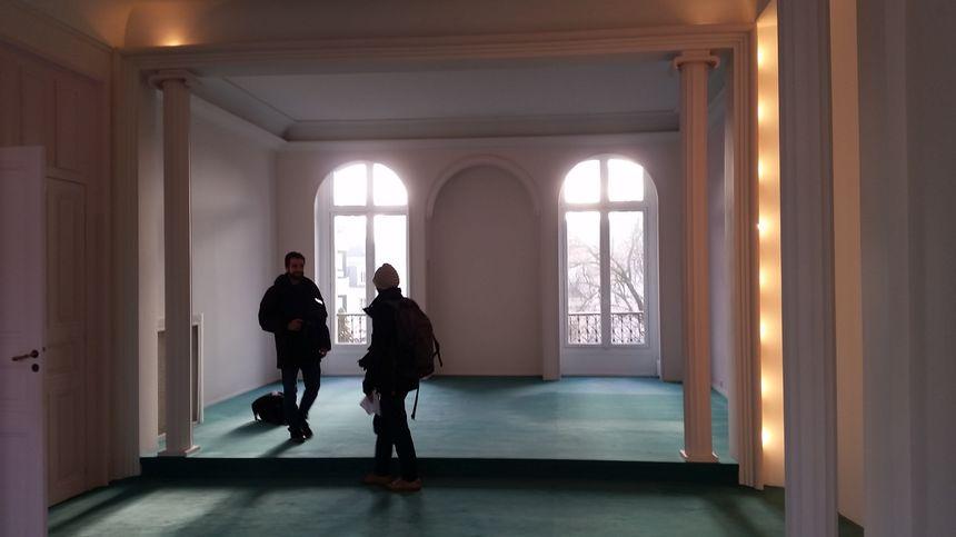 A l'étage, les chambres ont été transformées en salle de réception dans les années 30