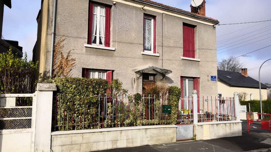 Gérad Depardieu fête ses 70 ans ce jeudi 27 novembre. Il a grandi dans cette maison, rue du Maréchal Joffre, à Châteauroux.