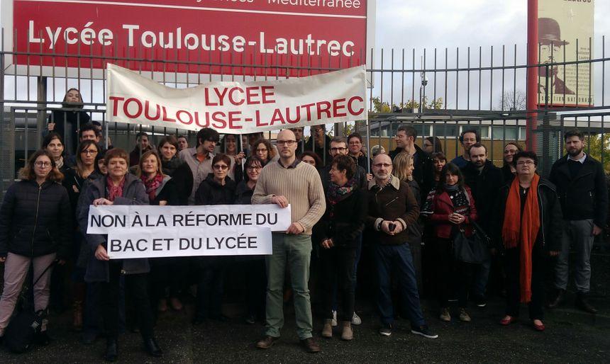 À Toulouse-Lautrec, les enseignants se sont joints au mouvement. - Aucun(e)