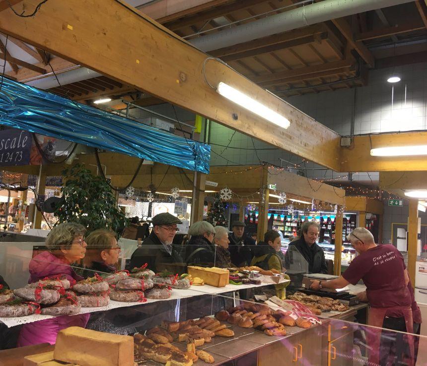 Les clients ont retrouvé leur pain Paillasse au marché Saint-Pierre