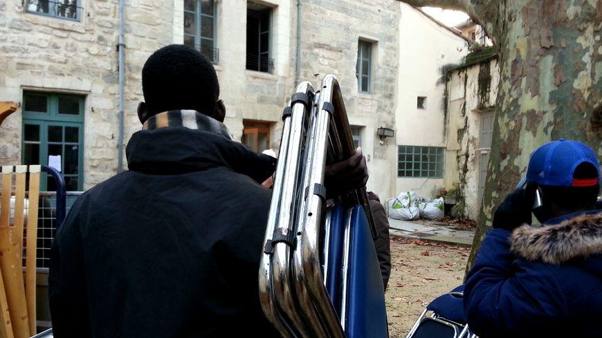 Des jeunes sans papiers se sont installés dans un immeuble du diocèse d'Avignon