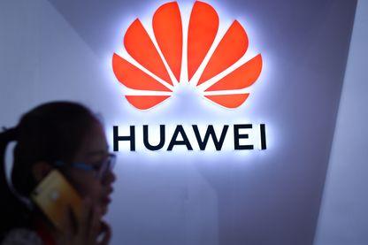 Le logo de Huawei, l'équipementier télécom chinois au cœur d'un bras de fer sino-américain.