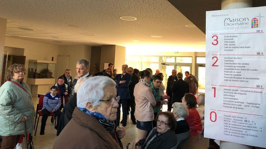 Une centaine de convives ont participé à un bel apéritif avant le repas à Laval