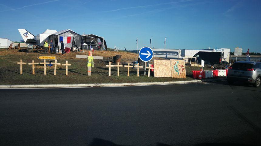 Le rond-point de Parçay-Meslay, QG des gilets jaunes depuis le 29 novembre