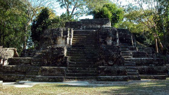 Face nord du Temple des masques, Uaxuctum