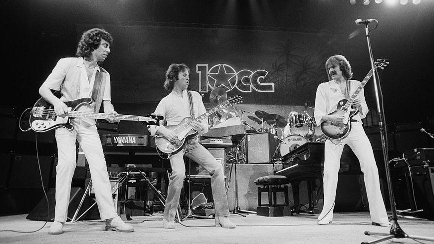 10cc sur scène. De gauche à droite: Graham Gouldman, Eric Stewart et Rick Fenn se produisant aux États-Unis en novembre 1978. (Photo de Michael Putland / Getty Images