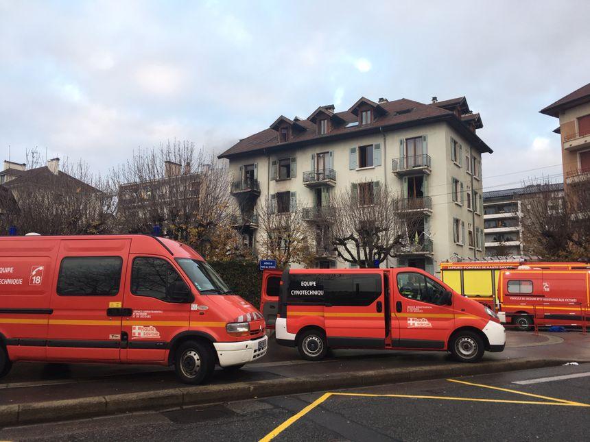 Plusieurs brigades spéciales de pompiers sont intervenues de toute la région.