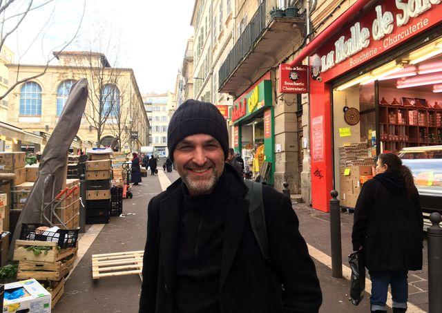 L'association Un centre-ville pour tous, dont fait partie Pierre-Alain Cardona, documente les évolutions de plusieurs quartiers de Marseille et l'action des pouvoirs publics sur ces secteurs depuis plusieurs décennies.