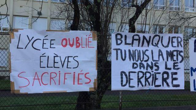 Mobilisation devant le lycée de Ribérac