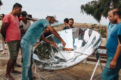 """""""Low-tech for Refugees"""", une des opérations de l'association """"Gold of Bengal"""""""
