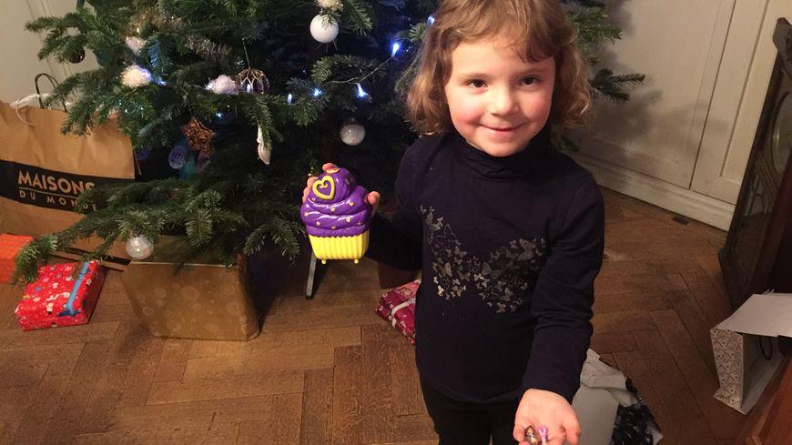 La petite Léonie a reçu ses cadeaux peu avant 20 heures