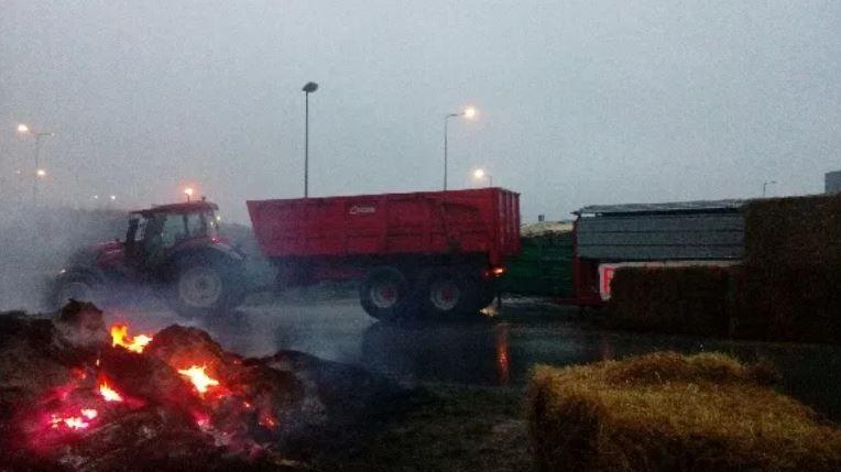 Mobilisation des Jeunes agriculteurs à Riec-sur-Bélon
