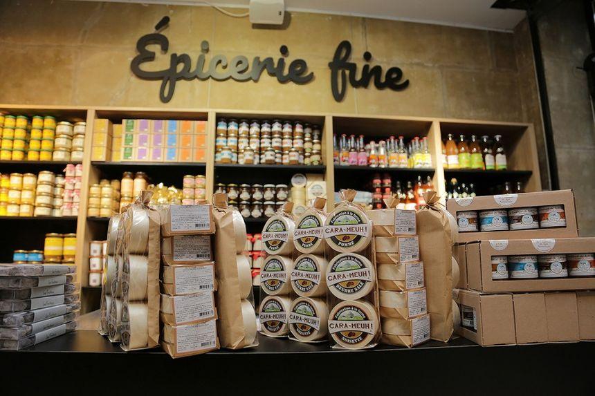 La boutique est divisée en cinq espaces pour présenter les produits manchois