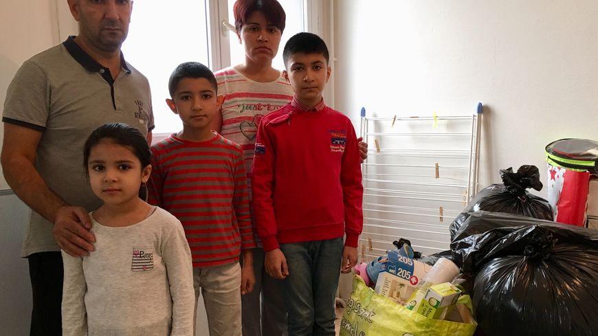 Le couple et ses trois enfants doit quitter son logement après Noël.