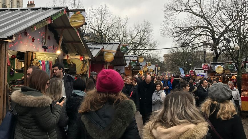 Le marché de Noël de Bordeaux a affiché une belle fréquentation ce dimanche après-midi.