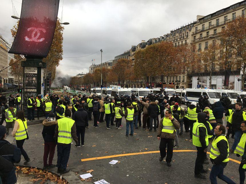 Dispositif de sécurité à Paris samedi 8 décembre 2018.
