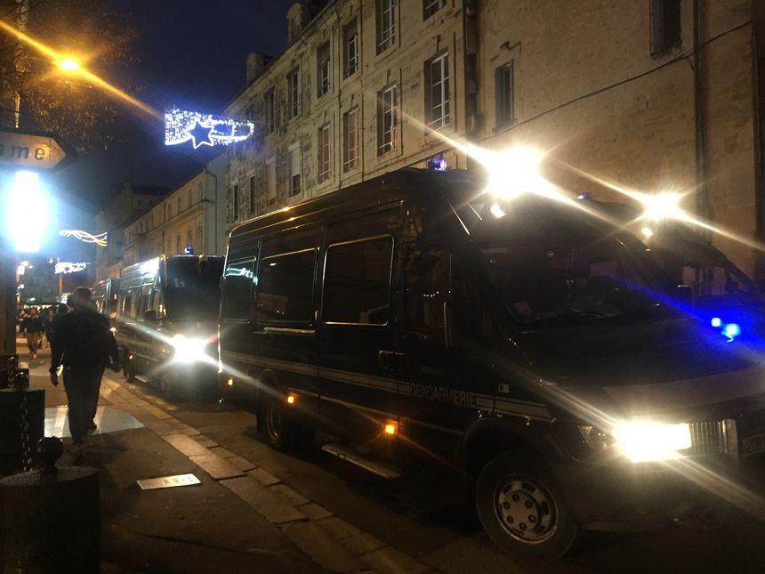 Les forces de l'ordre présentes dans les rues de Caen pour le 7e week-end de mobilisation des gilets jaunes
