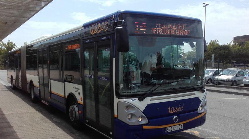Une vingtaine de bus sont impactés ce vendredi matin.