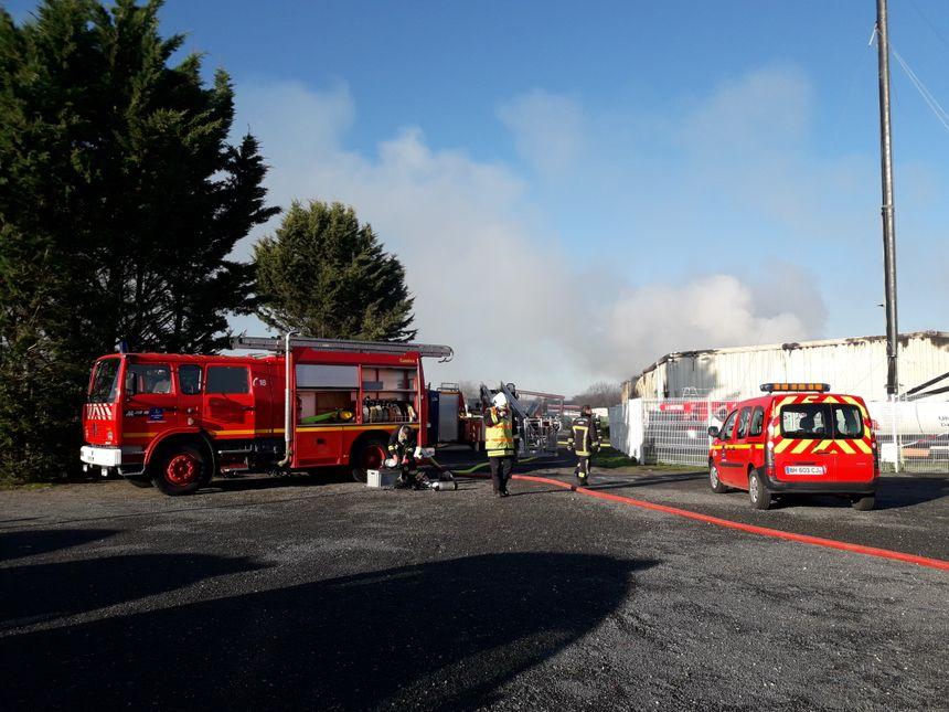 Jusqu'à 57 pompiers ont été mobilisés, au plus fort de l'incendie.