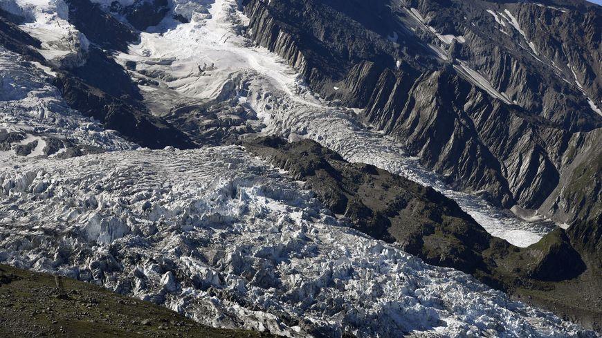 Le glacier des Bossons dans le massif du Mont-Blanc en 2016