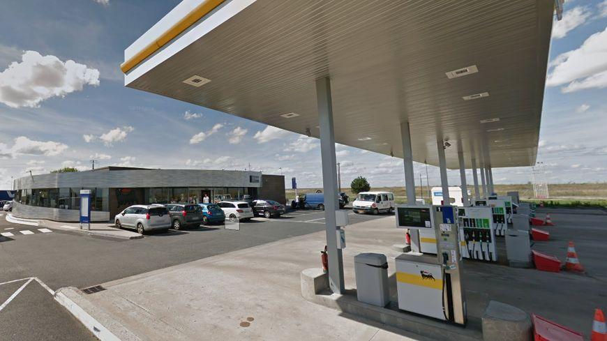 La station essence ENI est située sur l'A10 à Messas près de Meung sur Loire