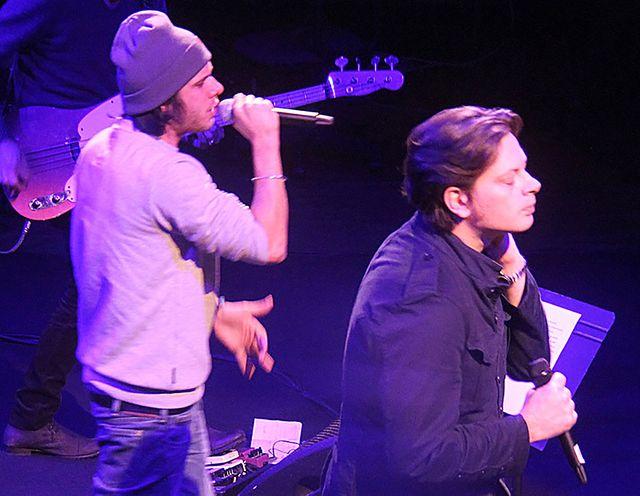 Orelsan et Benjamin Biolay, sur la scène du studio 105, pendant les balances du Pont des Artistes - 7 novembre 2012