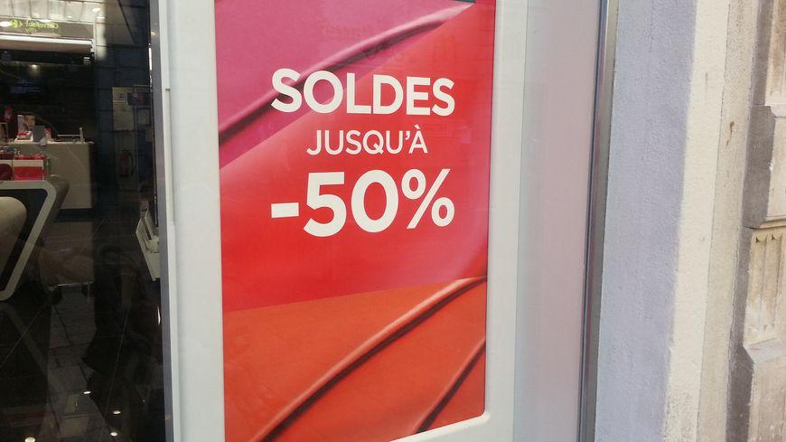 Des ventes privées ont déjà débuté dans un certain nombre de commerces