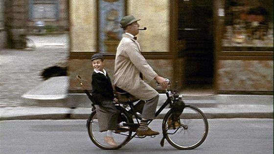 """Jacques Tati dans """"Mon Oncle"""" - l'Orchestre philharmonique de radio France joue la musique du film le 11 janvier à l'occasion du prix France Musique - SACEM"""