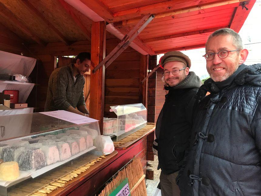 Pour les amateurs de salé, Maxime vend des fromages de chèvre. Son exploitation est à Vatan.