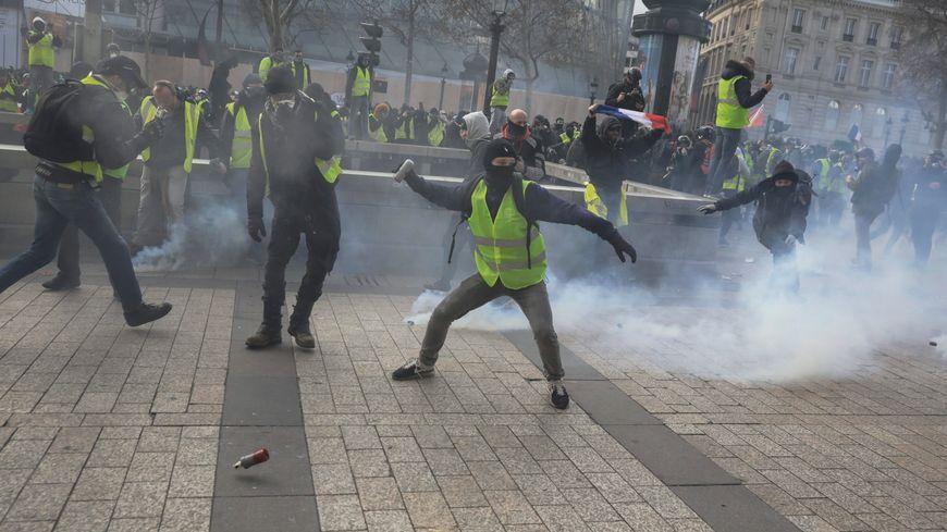 Gilets jaunes : les transports encore très perturbés ce samedi à Paris