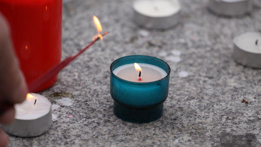 Un hommage a été rendu ce dimanche 16 octobre aux 5 morts et 12 blessés lors de l'attentat sur le marché de Noël de Strasbourg
