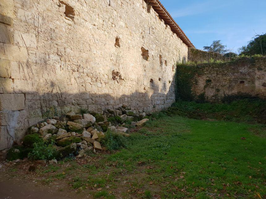 Les anciens fossés du château du Hamel à Castets en Dorthe