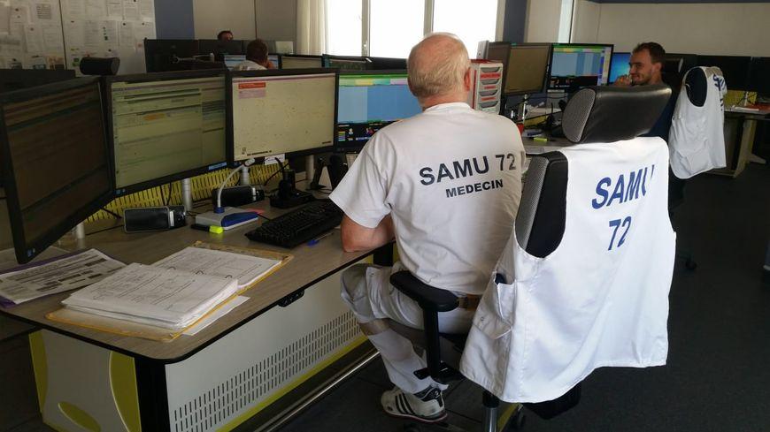 Médecins et régulateurs du SAMU se relayent 24h/24, 7j/7
