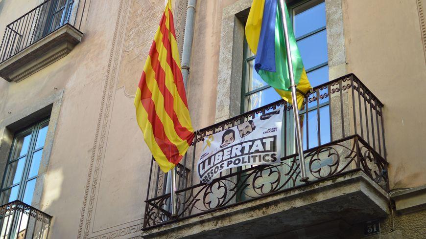 La façade de la mairie d'Anglès, vers Gerone, en Espagne.