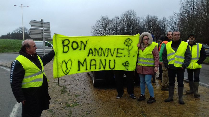 illustration gilets jaunes en Mayenne