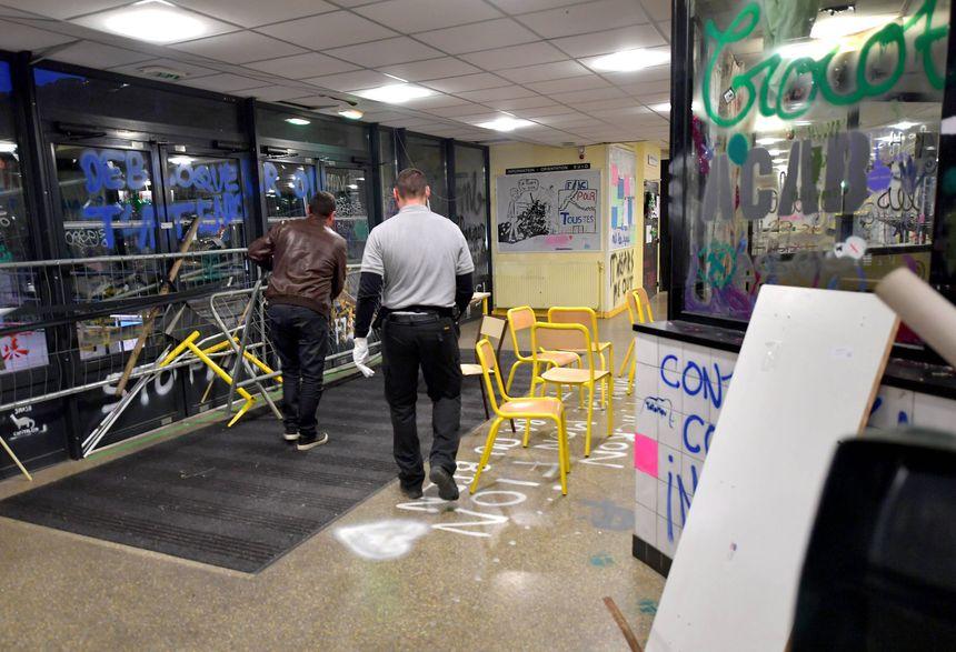 Évacuation de la faculté de Rennes 2.