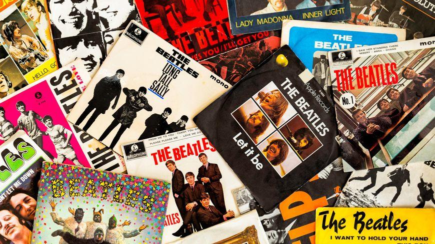 Les pochettes de certains disques des Beatles.