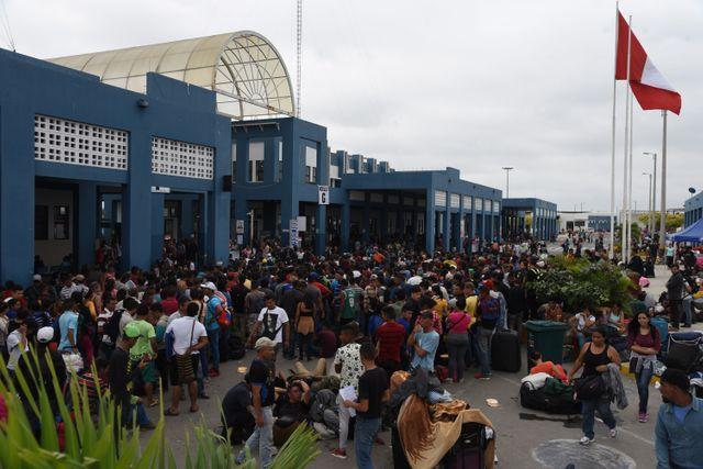 Des migrants vénézuéliens arrivent à Tumbes, au Pérou en octobre 2018