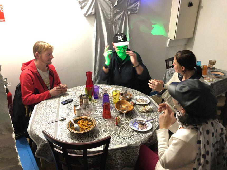 Jimmy, Erick, Delphine et Dominique au restaurant Djerba La Douce