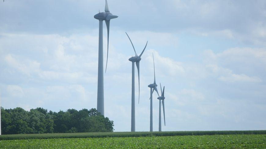 Le groupe Infra s'occupe notamment de raccorder les parcs éoliens au réseau électrique