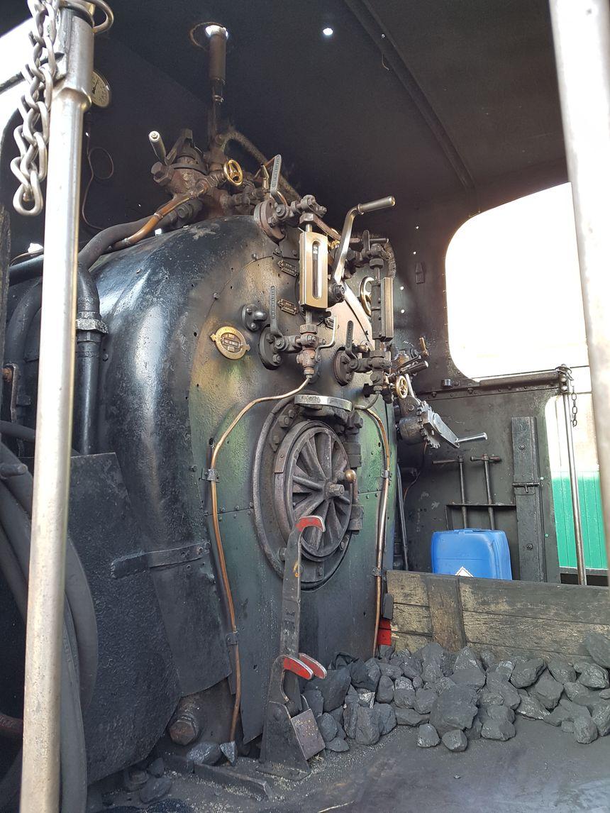 L'intérieur de la locomotive Mallet n°403, qui tire le train de l'Ardèche. La locomotive date de 1903.