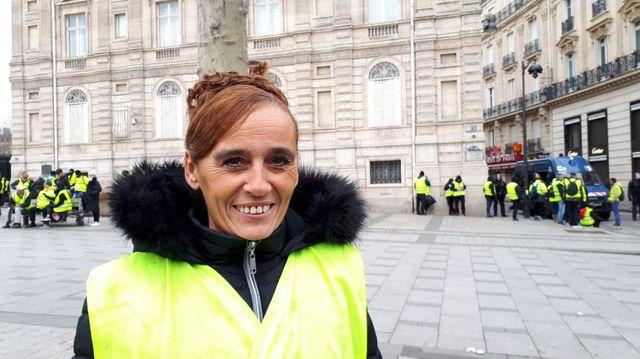 Rosa, 46 ans, est agent de santé hospitalière. Son mari est au chômage. ils ont deux enfants et habitent en Isère à Apprieu