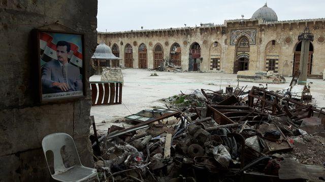 La mosquée des Omeyyades d'Alep au printemps 2017, trois après la reprise de la ville par les forces gouvernementales syriennes