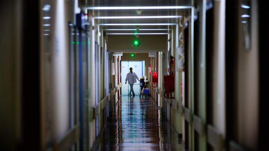 Une centaine d'aides-soignants pourraient être concernés par la suppression de cette prime