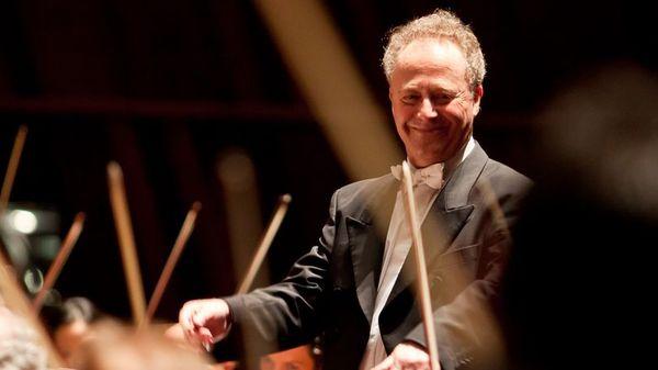 Le concert du nouvel an, diffusé ce soir sur France Musique, est dirigé par Emmanuel Krivine
