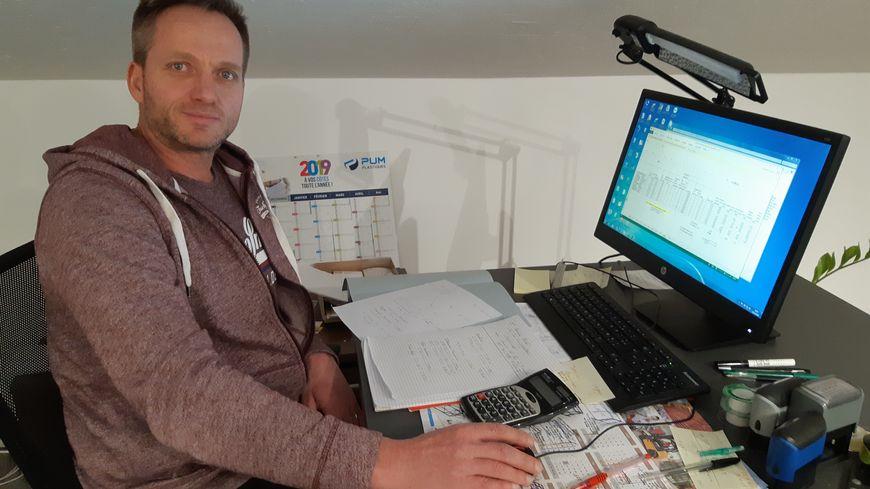 Sébastien Lebon, patron d'une entreprise de maçonnerie basée au Pont de Martinvast, près de Cherbourg.
