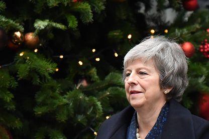 Theresa May à Londres, mercredi 12 décembre, avant le vote décisif des députés conservateurs qu'elle a finalement remporté.