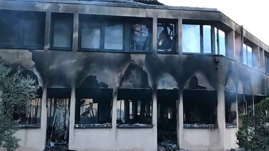 Les locaux de VINCI incendiés à Narbonne.